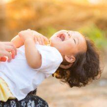 Czy istnieje uniwersalny sposób na zapewnienie dziecku szczęśliwego dzieciństwa?